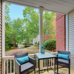 Bell Roper Mountain apartments patio